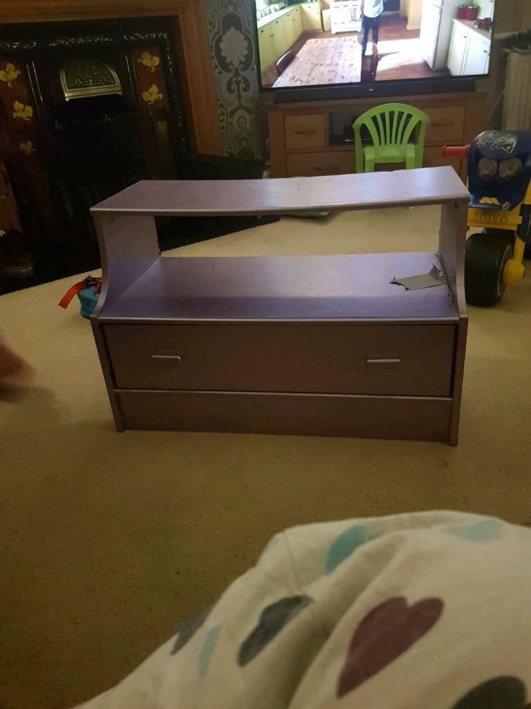Lilac tv unit / small dresser