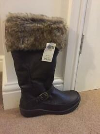 Brown fluffy boots size 6 RRP£25