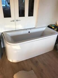 Brand new d shape bath