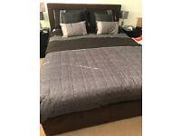 King size storage/ottoman bed