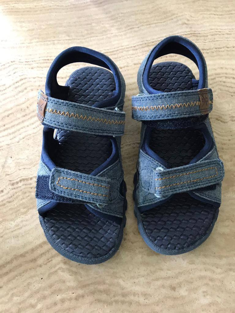 Sandals size 13 childrens shoesin West Byfleet, SurreyGumtree - Sandals size 13 Collection only from West Byfleet £5 OVNO Childrens shoes
