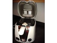 Breville electric deep fat fryer. Nearly new.