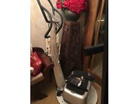 Genuine power plate in as new condition.REDUCED FOR QUICK XMAS SALE!!!