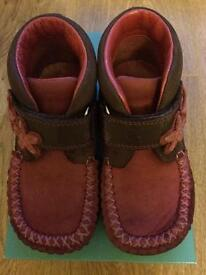 Girls Clarks Boots - Size 7.5G