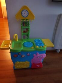 Peppa Pig toddler kitchen + Minnie mouse shopping trolley