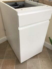 White Ikea kitchen cupboard, 40 cm wide with drawer. Two shelves in cupboard