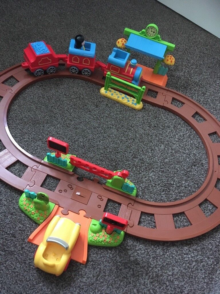 Happyland Village Train Set