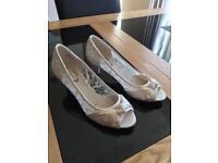 Size 4 ivory bridal shoes