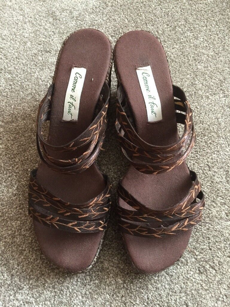 WEDGE SANDALS SIZE 6 BRAND NEW - NEVER BEEN WORN (WITHOUT BOX)
