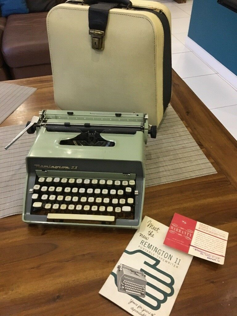 Vintage Remington 11 Portable Typewriter