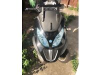 ***PiaggioMP3 300 LT TOURING MOTORBIKE, LOW MILEAGE, 2012, MINT CLEAN, FULL UK DRIVERS LICENCE***