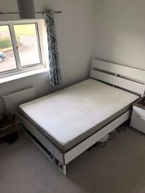 Lovely Double room in quiet professional shared house in Eastleigh - ALL BILLS INCLUDED