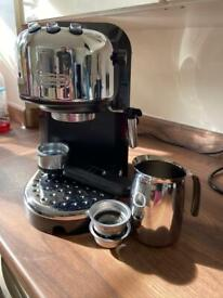 De'Longhi Coffee Machine with Stainless Steel Milk Jug