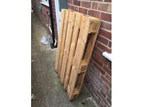 Free pallet in good condition