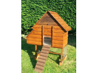 Compact, quality chicken/hen house/coop with automatic door opener