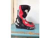 Oxtar motorbike boots