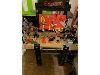 BLACK DECKER TOOL BENCH WITH EXTRAS