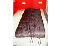 Dupont Hollowfil 808 Sleeping Bag. Black