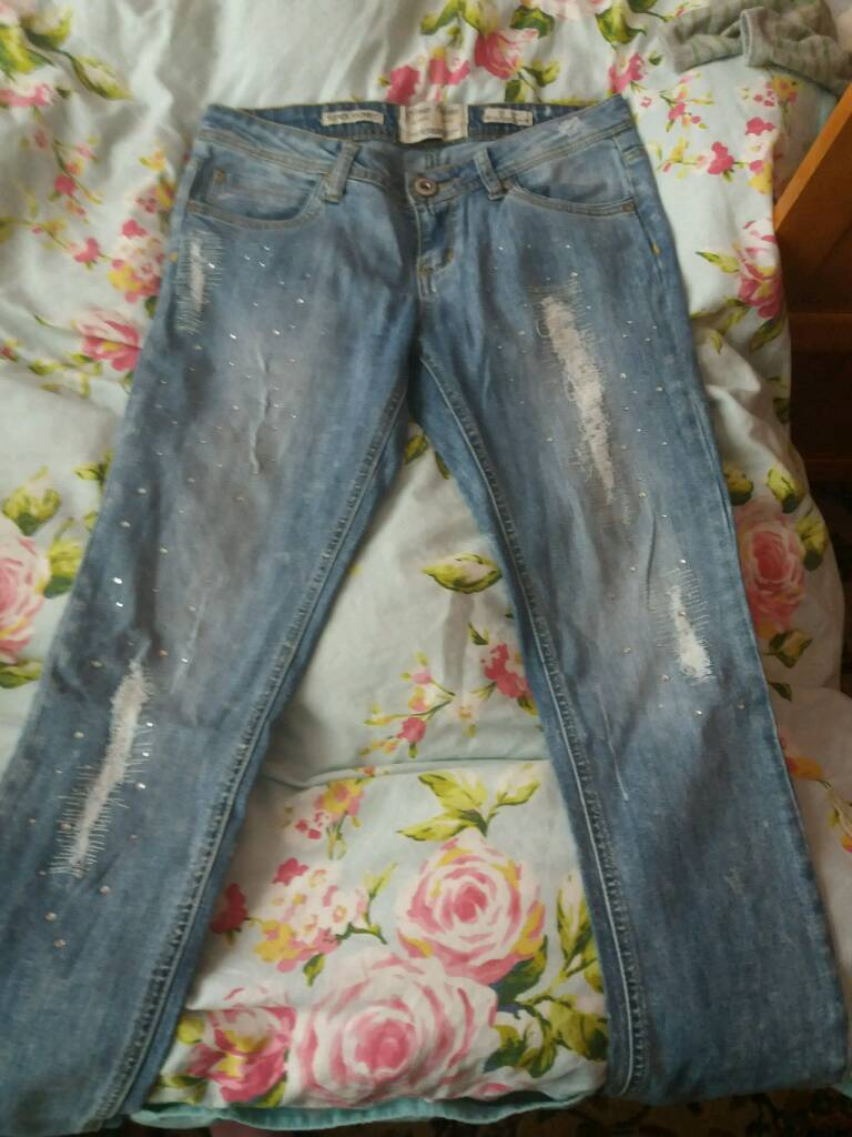 Women jeansin Hounslow, LondonGumtree - Women jeans size 12 good condition free to offer