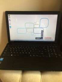 TOSHIBA *USED* LAPTOP BLACK(Windows8/Webcam/cd-dvd drive/comes with charger)