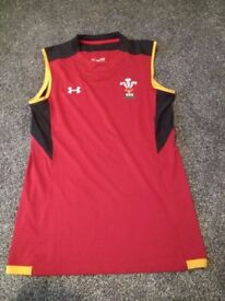 Under Armour Wales WRU 2017/19 Players Rugby Training Singlet - Small - Great Christmas Present