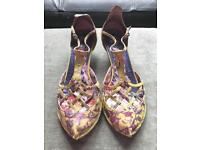 Irregular choice yellow peacock lattice low heel sandals size 5/38