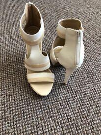 New Boohoo white&cream high heel sandals size 7/40