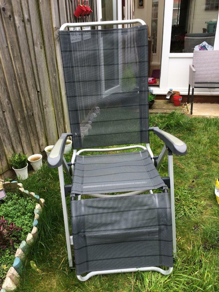 2 x recliner chairs