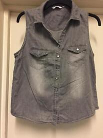 Ladies Sleeveless Top Size 16