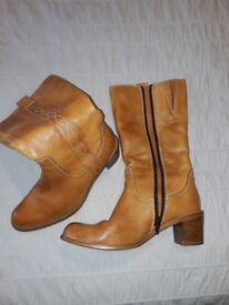 Clarks Tan Leather Boots size 5