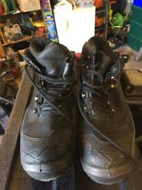 Size 10.5 Timberland safety boots