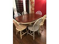 LOVELY SIX SEATER DINING TABLE AND CHAIRS, EXTENDABLE