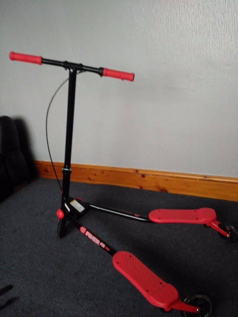Y Fliker Scooter red x 2