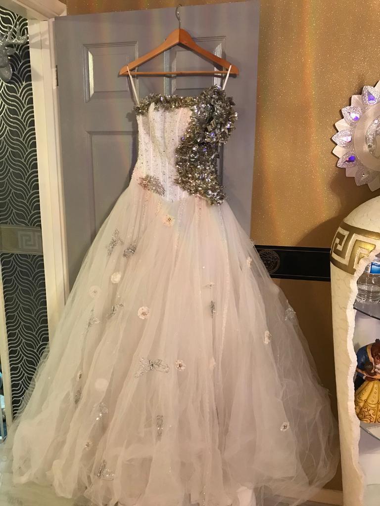 Stunning Fairytale Wedding Dress