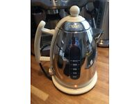 Dualit Vintage cream kettle in near new condition