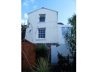 1 bedroomed Hideaway Cottage in Central Torquay