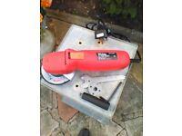 Wickes angle grinder 240v 600w