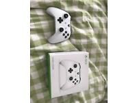 White Bluetooth Xbox One Controller
