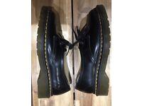Dr Martens woman's shoes black worn once Uk 4