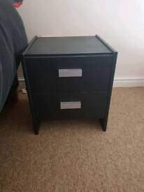 2 bed side cabinets