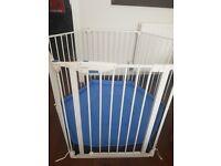 Lindam Safe & Secure playpen / room divider.