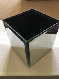 SQUARE MIRRORED PLANT HOLDER / BOX
