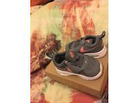 Size 2/3/4 infant diversity shoes!