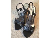 Sandals/shoes, as new, sizes 5/6