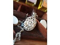 ROSE DETAIL LOCKET&NECKCLACE HALLMARKED BOXED WITH OILS