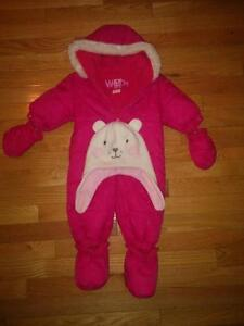 Girl's 3-6 month snowsuit and hat 0-12 month