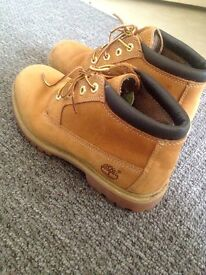Ladies Size 5 Timberland Boots