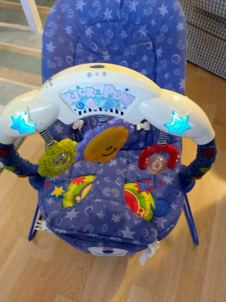 c8fe9953f9d6 Baby kick and play bouncer chair - pick up Caerphilly