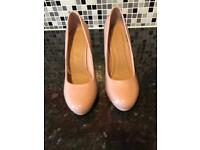 Women's Size 6 shoes