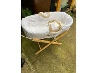 Mosses basket with stand